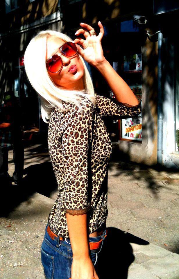 Блондинка Я